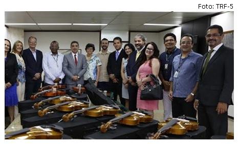 Violinos no tribunal